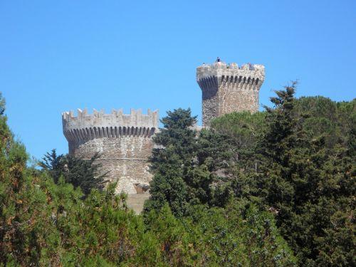populonia gulf of baratti castle