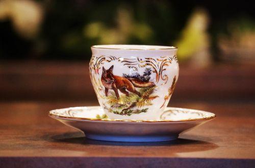 porcelain cup garnish