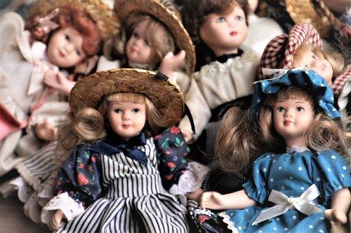 porcelain dolls  retro  accessories