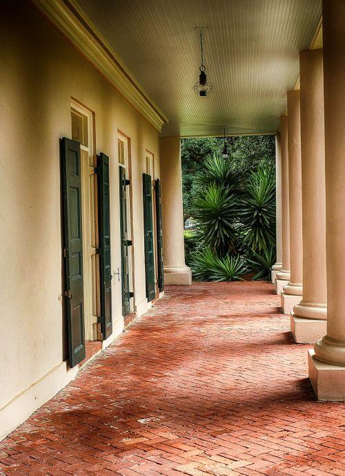 porch veranda breezeway