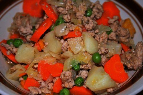 maistas, patiekalas, maistas, mėsa, žemė, daržovės, supjaustyti, kiaulienos pikantiška kiauliena