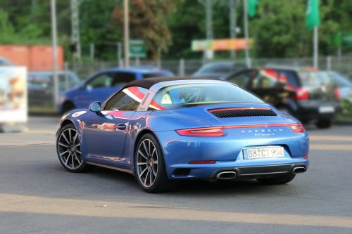 porsche targa 911 sports car