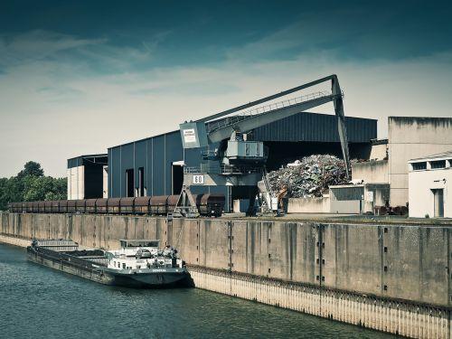 port ship freighter