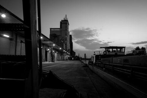 port gloomy crime