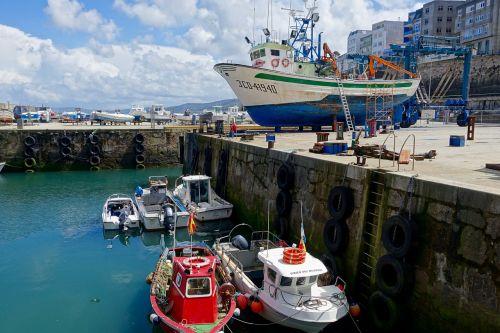 port vessels maintenance