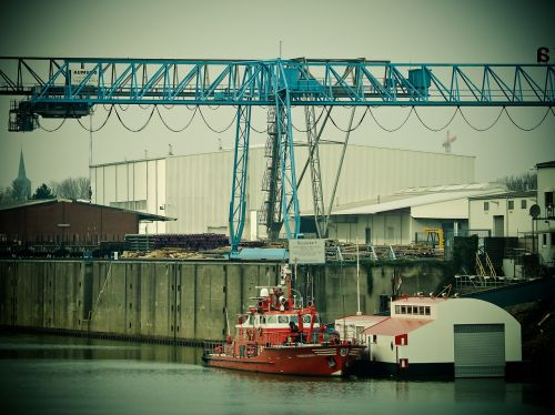 port inland port crane