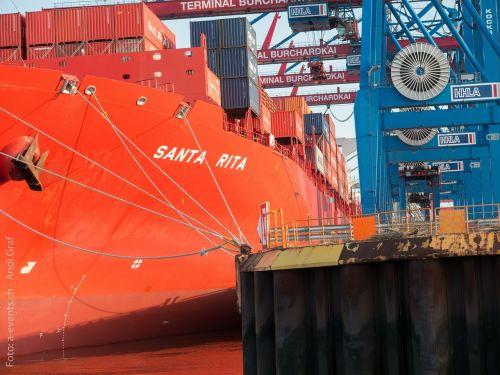 port ship hamburg