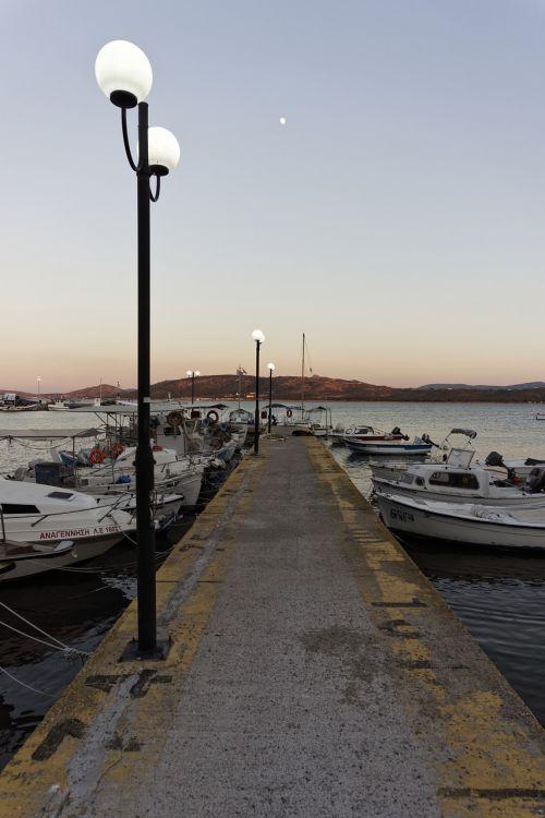 port dock boat