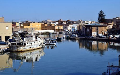 port river sicily