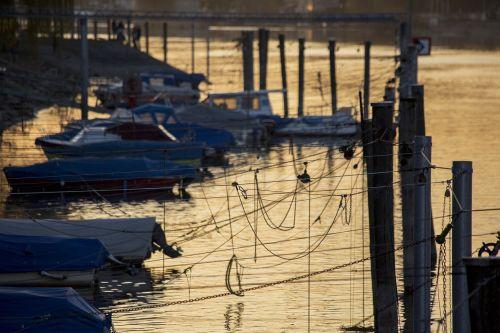 port boats pier