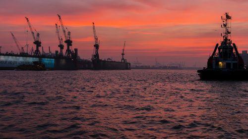 port hamburg evening