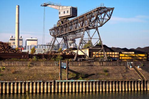 port crane dock