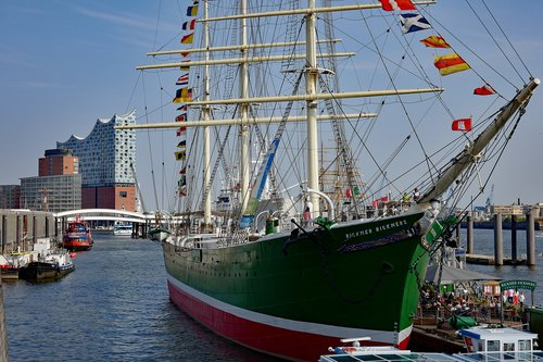port  port of hamburg  rickmer rickmers
