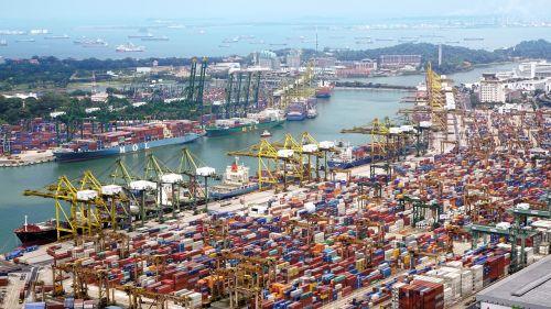port ships cranes