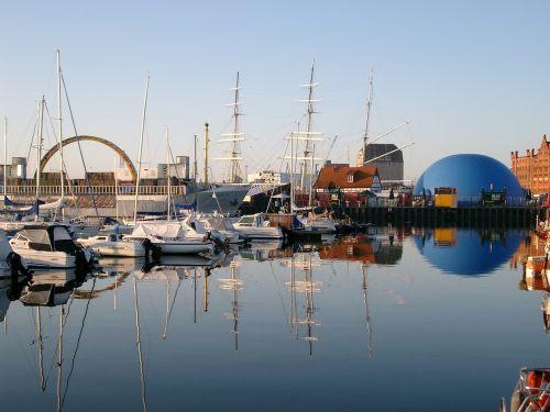 port sailing vessel masts