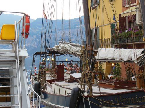 port city italy garda