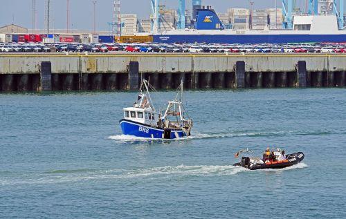 port of zeebrugge cargo handling new cars