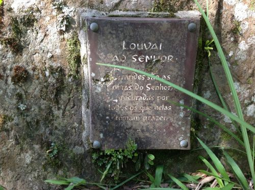portico headstone memorial
