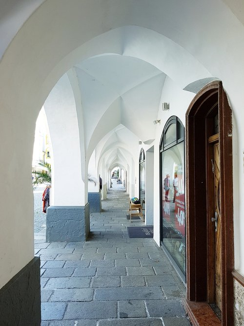 portico  arcades  renaissance