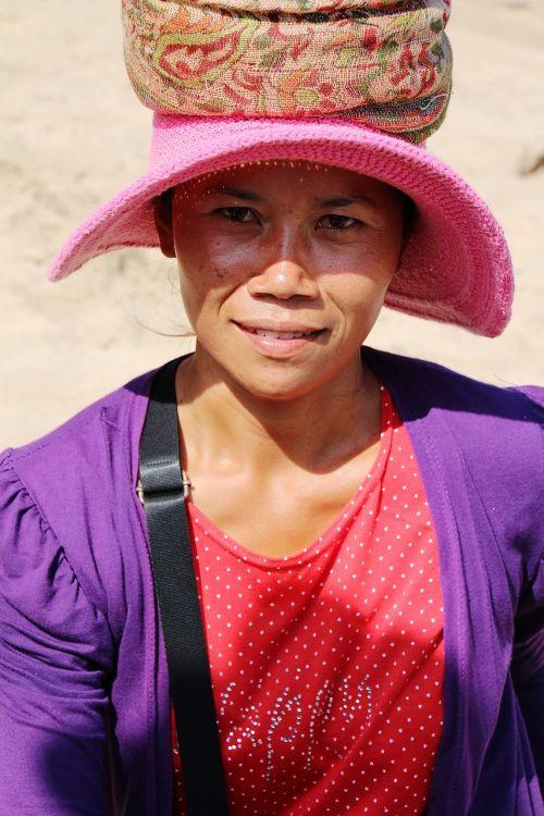 portrait bali woman