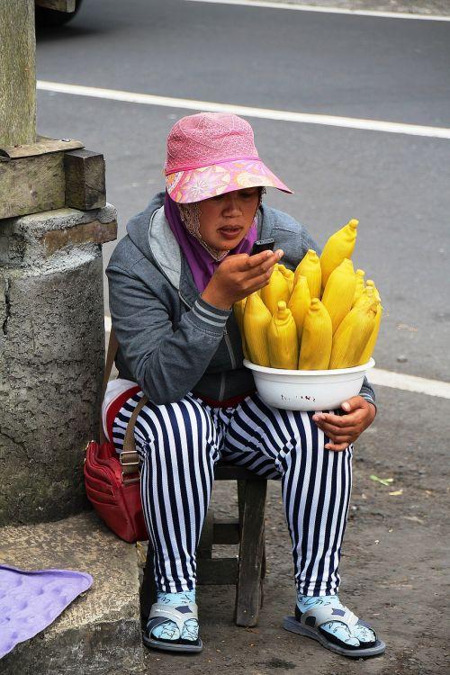 portretas,bali,moteris,indonesian,veidas,charakteris,prekyba gatvėmis,kukurūzų pardavimas