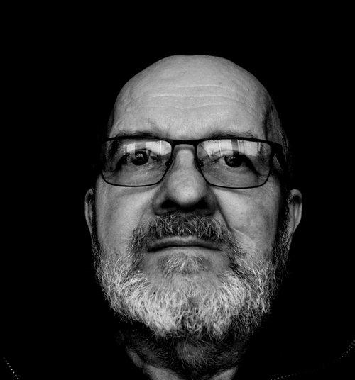 portrait  man  beard
