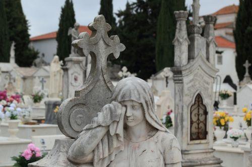 portugal evora cemetery