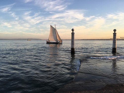 portugal  boat  sailing