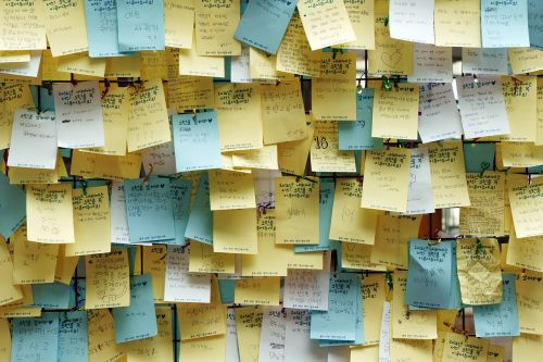 post-it paper notes