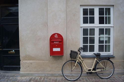 postbox red box