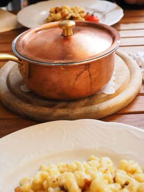 pot brass pot eat