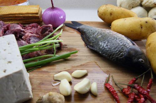 potato beef crucian carp