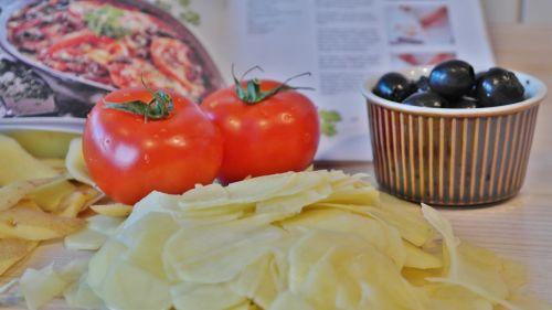 potato tomatoes olives eat