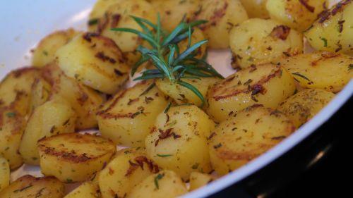 potatoes fried potatoes eat