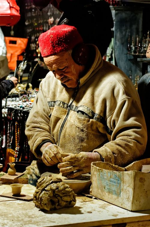 potter artisan terracotta