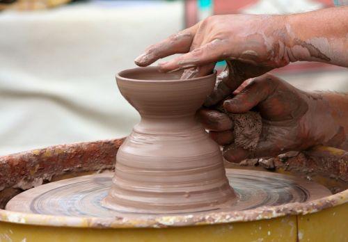 potter's wheel clay sculpt