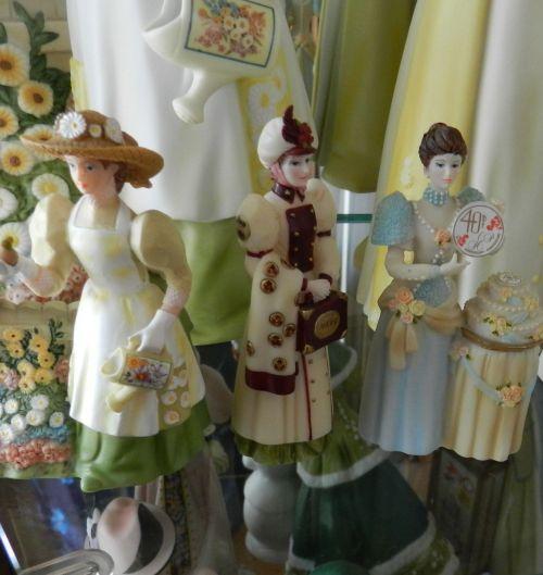 Porcelain Dolls (4)
