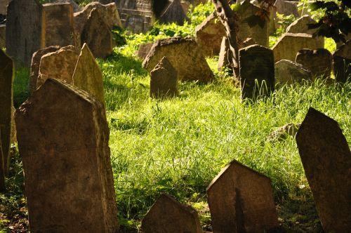 prague jewish cemetery old