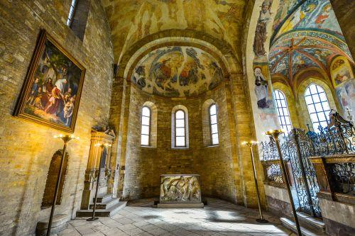prague castle windows