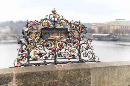 prague bridge castles