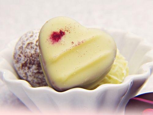 praline white chocolate heart