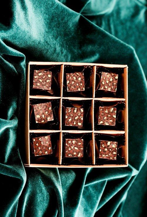 praline  chocolates  sweet