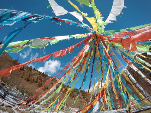 prayer flags baita the scenery