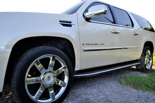 pre-owned cadillac escalade front