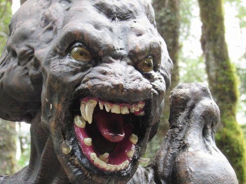 predator monster terror