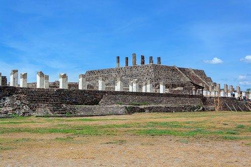 prehispanic  piramid  mexico