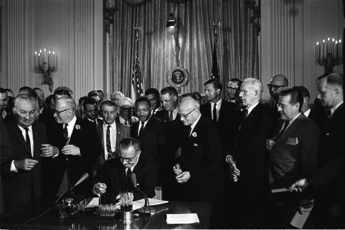 president lyndon b johnson civil rights act