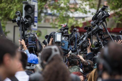 press camera the crowd