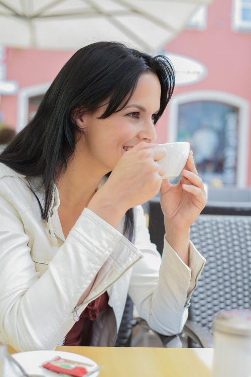 pretty woman coffee enjoy