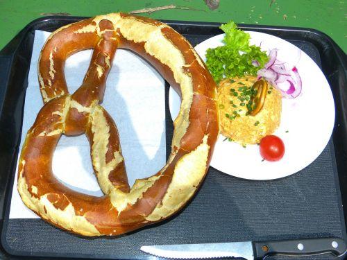 pretzel obatzter cheese